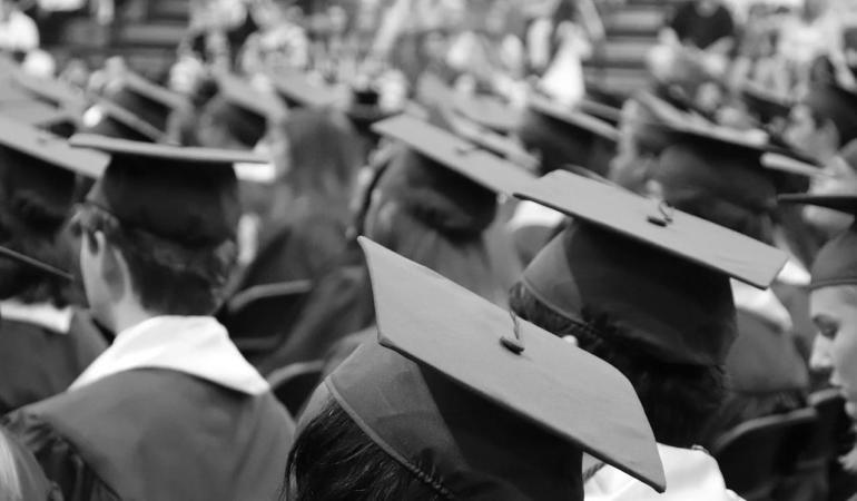 Elevii promoției 2020 rămân fără festivități și banchete