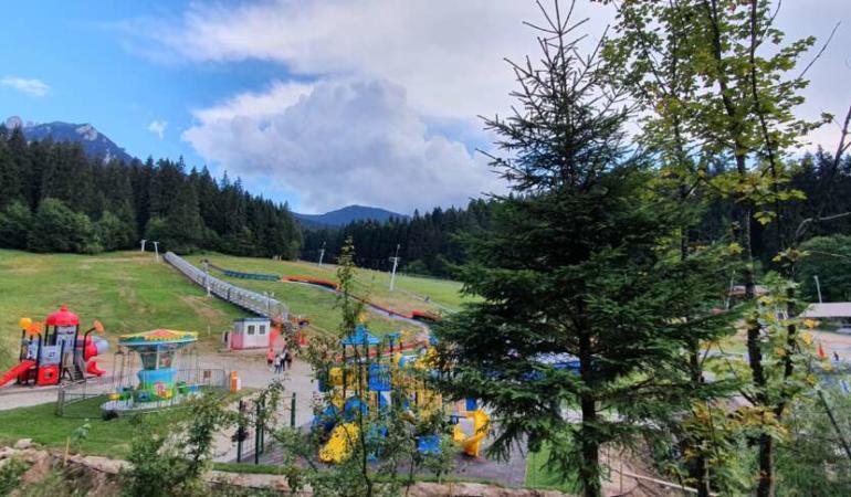 S-a deschis cel mai mare parc de distracții din România. Îți prezentăm cum arată în detaliu