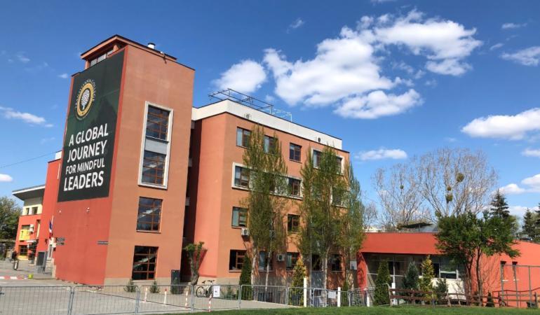 Transylvania College oferă trei burse de excelență pentru întregul ciclu liceal