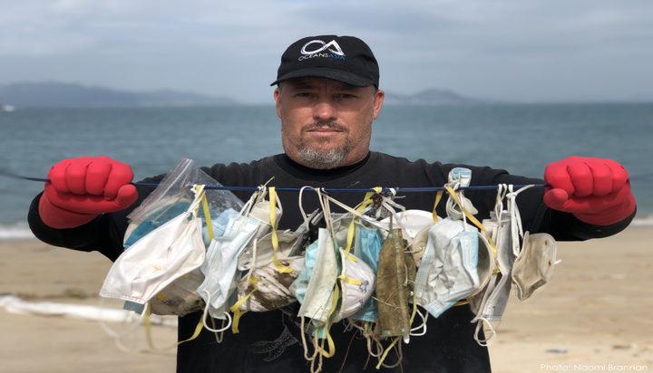 In curând în apele planetei vor exista mai multe măști decât meduze!