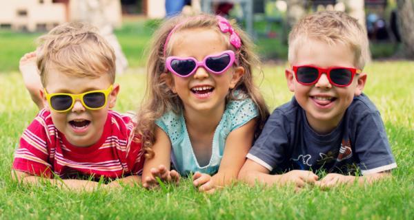 IN TREND: Cum alegem ochelarii perfecţi de soare?