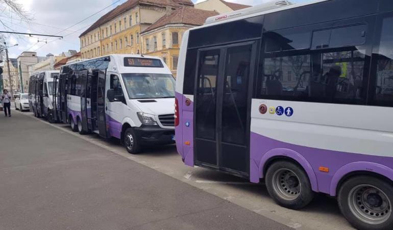 Elevii se pot bucura de încă un mijloc de transport special pentru ei