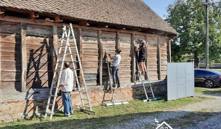 Color the Village – case renovate de voluntari