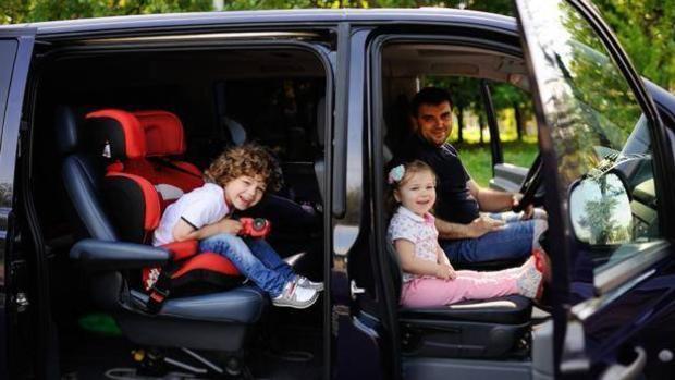 Sfaturi utile pentru o călătorie reușită cu mașina alături de copii