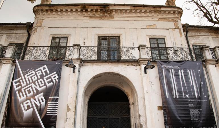 """Expoziţii de Artă în Timişoara: Ce înseamnă Europa, cine suntem """"noi""""?"""