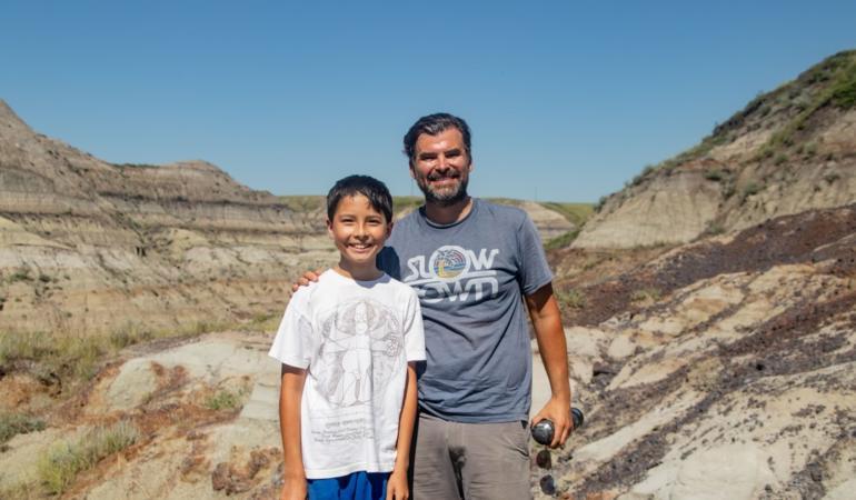 Schelet de dinozaur descoperit de un băiat de 12 ani