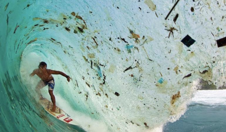 Cifre de speriat. Poluarea cu plastic crește de la o zi la alta. Ce facem?