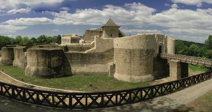Istorie şi cultură online. ZOOM cu clasa la Cetatea de Scaun a Sucevei