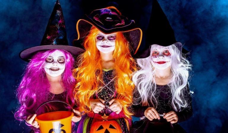 IN TREND: Cum puteți să creați un costum perfect de Halloween acasă