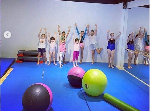 Gimnastică pentru copii la Smartfit Studio. Acum poți să fii mai elastic!