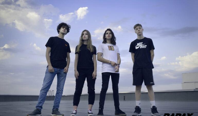 Rapax – Tinerii se revoltă prin rock