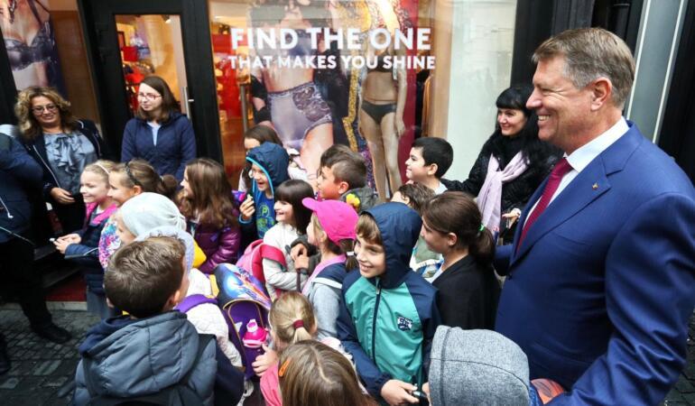Președintele Iohannis a decis: toate școlile și grădinițele se închid