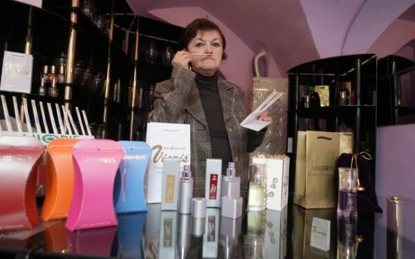 creatoarea primului brand românesc de parfum