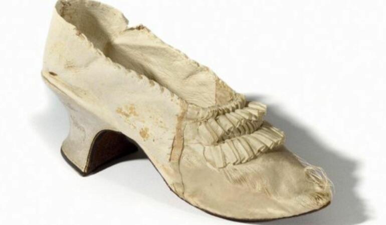 Al cui era pantoful care costă acum peste 40.000 de euro