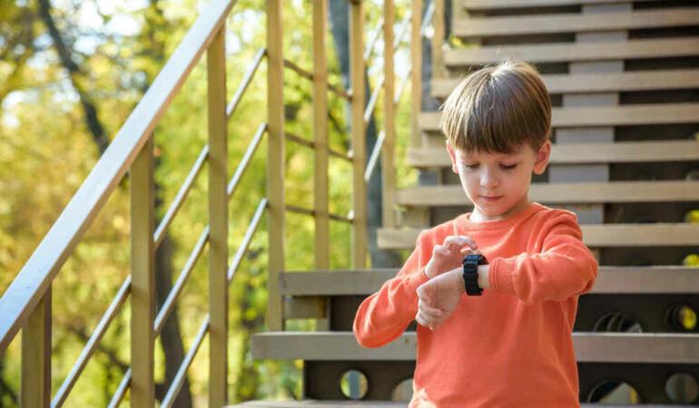 Care sunt cele mai potrivite modele de smartwatch pentru copii?