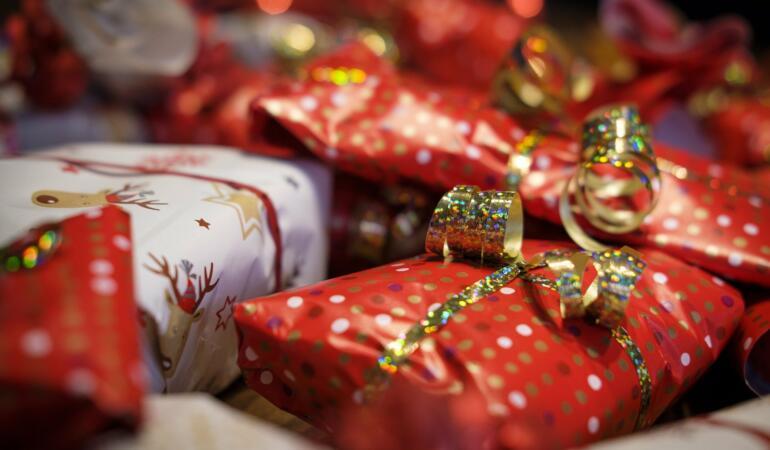 Copiii nevoiași din Republica Moldova vor primi cadouri de Crăciun din SUA –  Campania Santa's bag