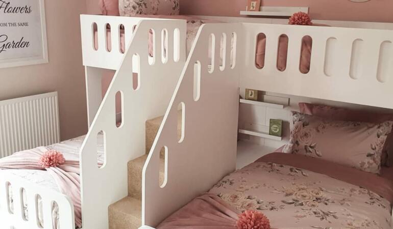 Dormitorul unor fetițe din Anglia, atracție pe internet