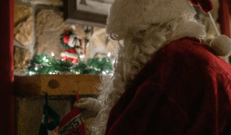 Moș Crăciun va ajunge oriunde cu un certificat de călătorie