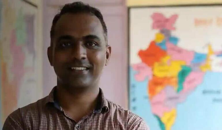 """Un profesor din India a câștigat premiul """"Profesorul anului"""""""
