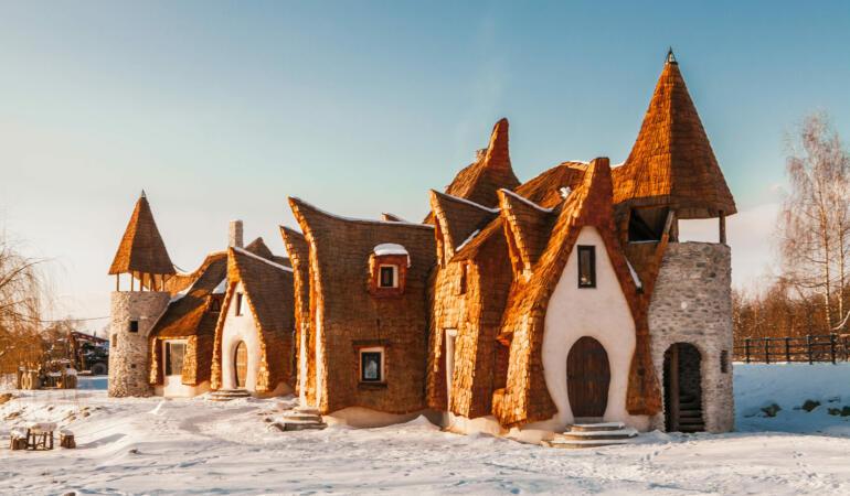 Locuri de poveste din România: Castelul de lut Valea Zânelor