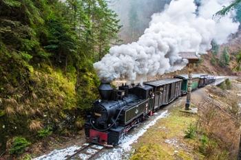 Locuri de poveste din România: Mocănița de pe Valea Vaserului