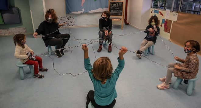 """Barcelona a dat startul unui proiect inedit intitulat """"Terapie Cangur"""""""