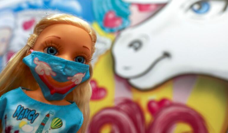 Jucările s-au adaptat la coronavirus și au mască și test