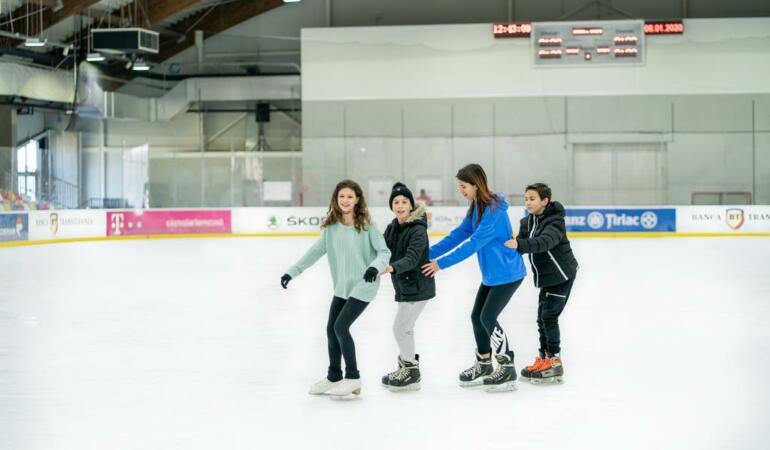 Unde patinăm în București? Patinoarul Tiriac-Telekom Arena aniversează 4 ani