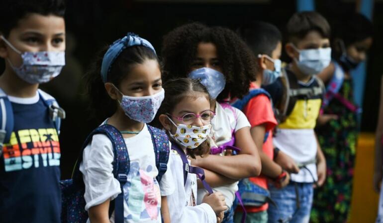 Copiii asimptomatici pot transmite rapid virusul Covid 19. Studiu făcut în școlile austriece