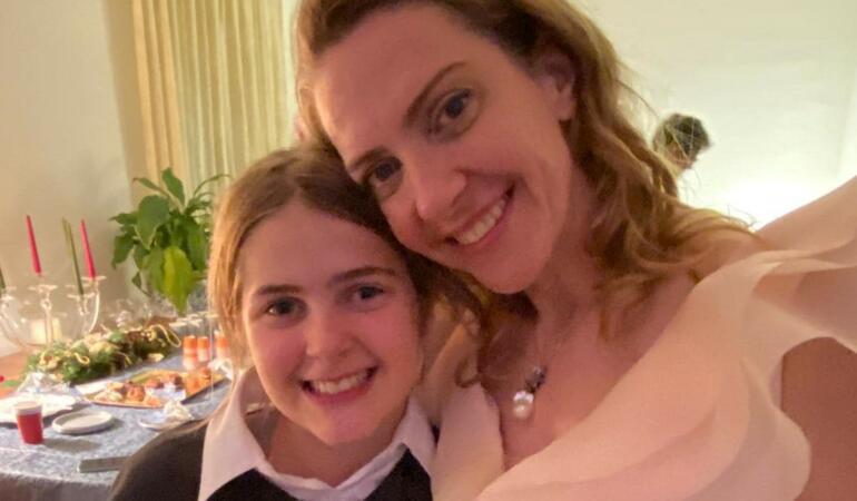 Campania de informare asupra vaccinului din Italia, realizată de o fetiță de 12 ani cu origini din România