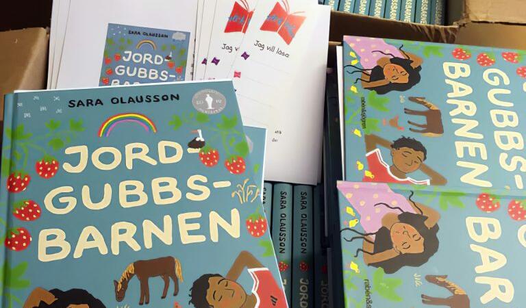 """""""Copiii căpșunarilor"""", cartea care stârnește controverse"""