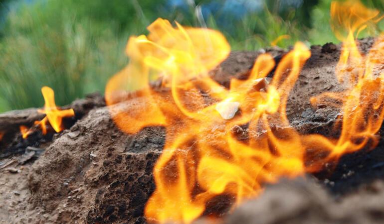 Locuri de poveste din România: Focurile vii