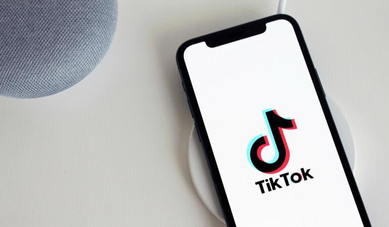 Noile schimbări anunțate de TikTok pentru a proteja copiii și adolescenții
