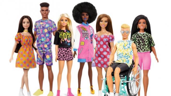 Barbie cu păr afro, Ken în scaun cu rotile. Noua colecție Barbie Fashionista 2021