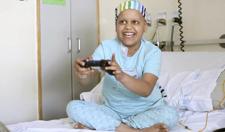 Un remediu minune: Jocurile video alină durerea copiilor bolnavi de cancer