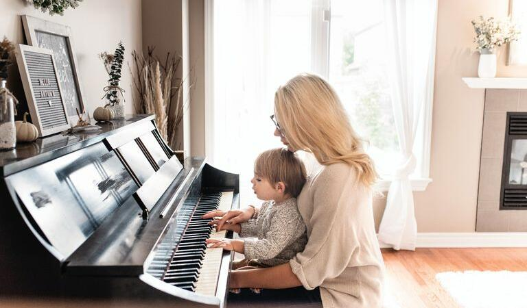 Copiii care cântă la un instrument sunt mai deștepți