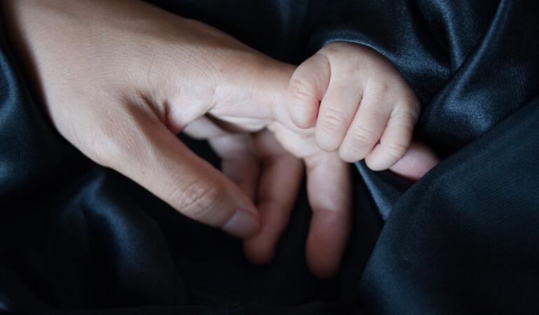 Se majorează indemnizațiile pentru familiile cu copii