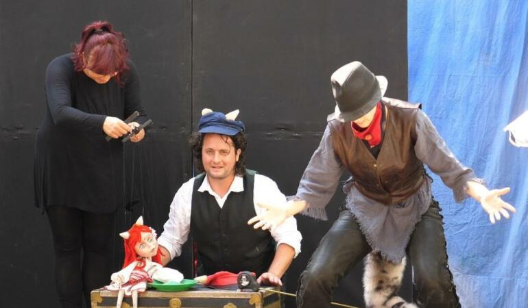 """""""Capra cu trei iezi""""- Actorii Trupei Marionete Arad vă așteaptă în sala de spectacol"""