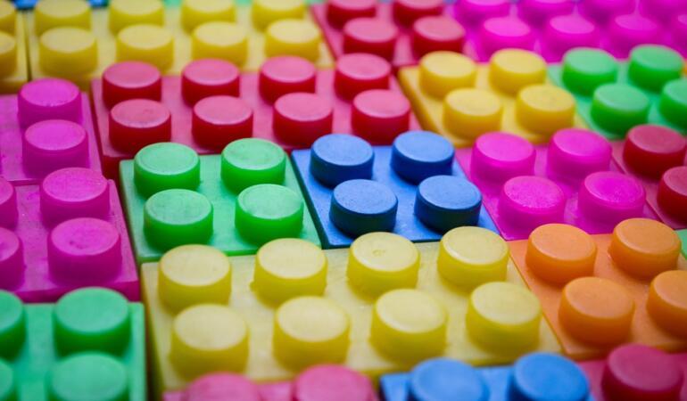 Cărămizi din plastic pentru salvarea mediului
