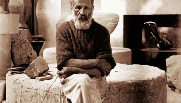 Constantin Brâncuși: Cum a reușit un gorjean să redefinească sculptura mondială