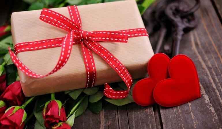 Valentine's Day cu surprize. V-ați gândit că unele daruri vă pot pune în pericol?