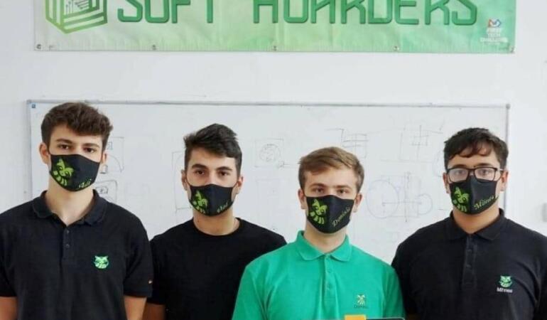 Interviu exclusiv cu Soft Hoarders, tinerii care vor să schimbe lumea