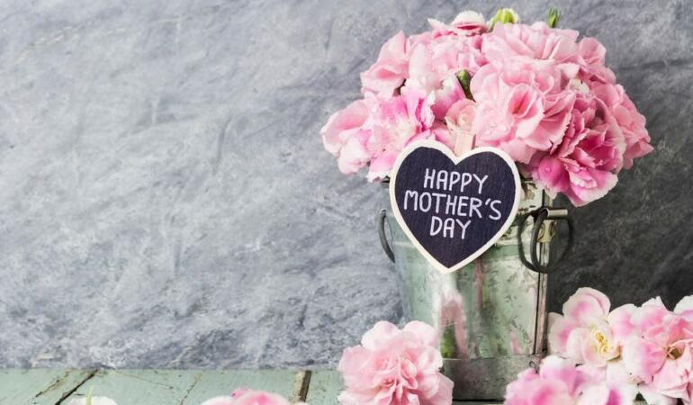 8 martie. Ce înseamnă mama pentru voi?