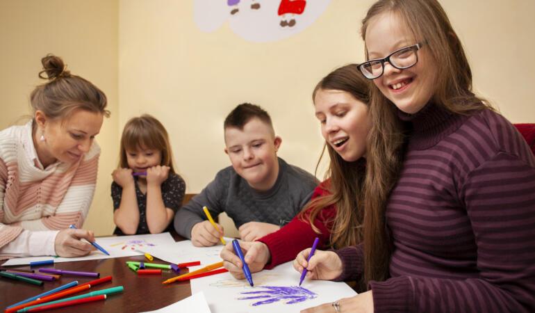 Acțiuni dedicate copiilor cu sindrom Down. Fii SOCKSY pentru o zi!