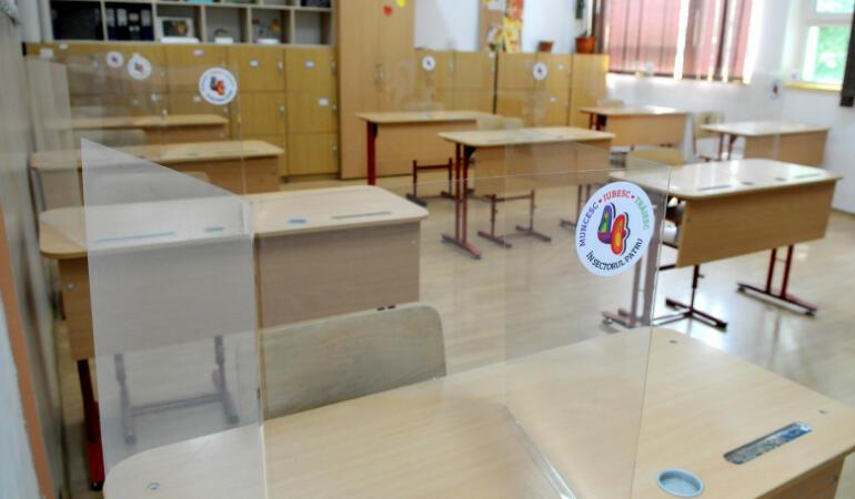Elevii s-au întrecut la înscrierile pentru orele remediale