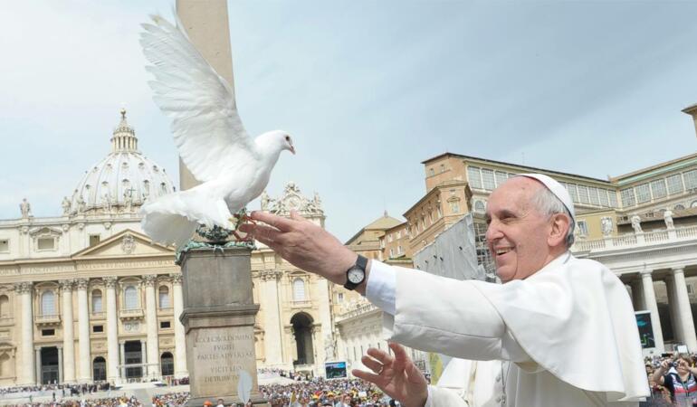 ceasul de la care află Papa Francisc ora exactă