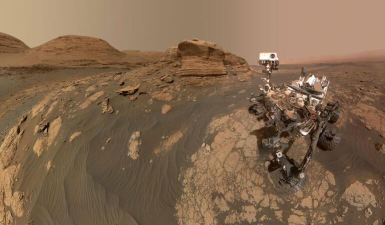 Primele selfie-uri pe Marte, făcute de roverele Perseverance și Curiosity