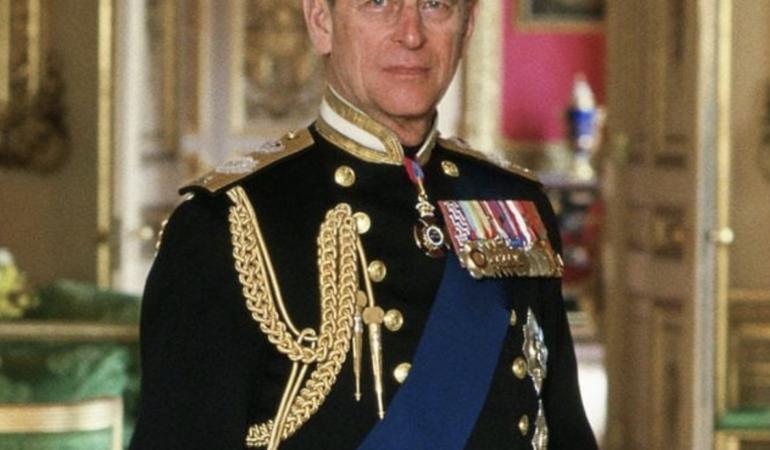 Prințul Philip, soțul Reginei Elisabeta, a purtat 70 de ani pantofii de nuntă și e înmormântat în sicriu de lână