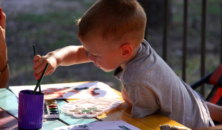 Sărbătorește și tu Ziua Mondială a Artei participând la un atelier de pictură