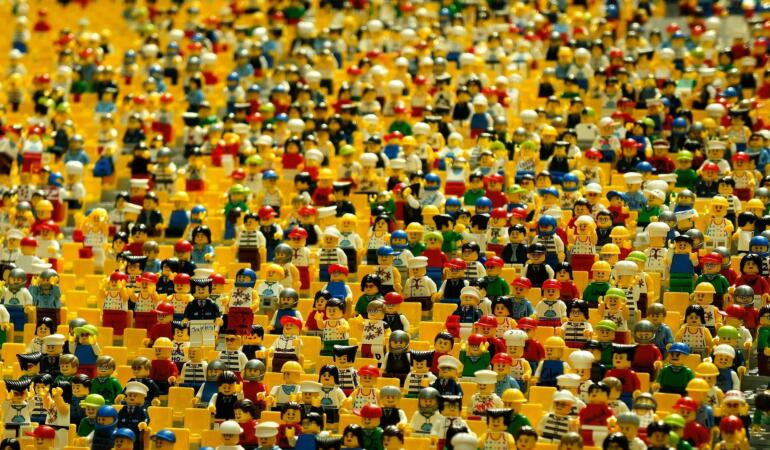 Expoziție inedită de construcții LEGO